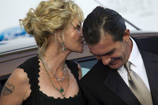 Антонио бандерас и мелани гриффит смеются над слухами о разводе