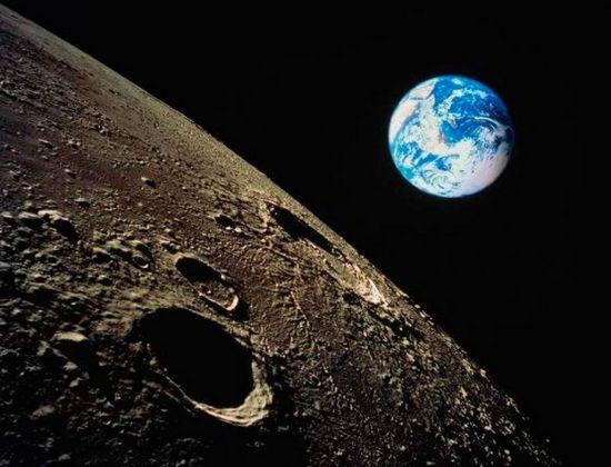 «Аполлон 18»: лунные ужасы бекмамбетова