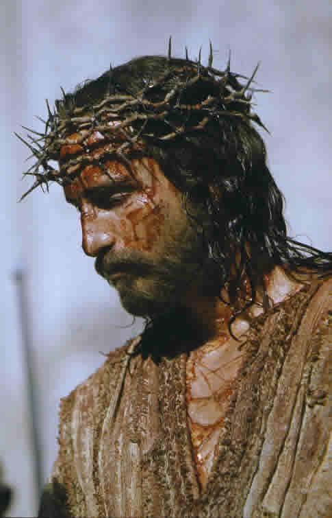 Безруков, бурляев, кэвизел: как актеры воплощали образ христа на экране