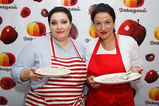 Лара кацова, ведущая шоу «домашняя кухня»: «я свою жизнь поменяла в 47 лет»