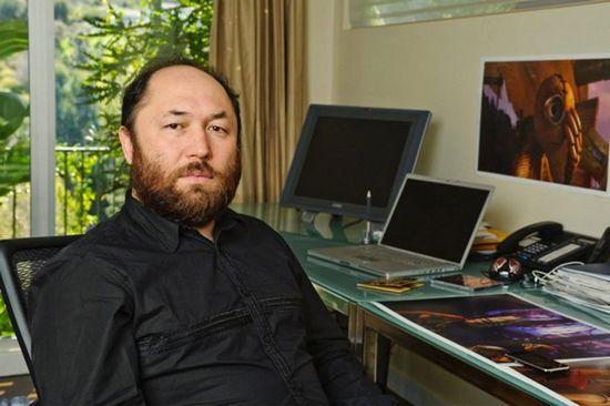Тимур бекмамбетов: «запускать фильм так же трудно, как ракету»