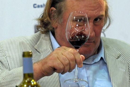 Жерар депардье не останется во франции - несмотря на отмену налога на роскошь